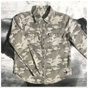 Hollister Camo Distressed Button Down Shirt